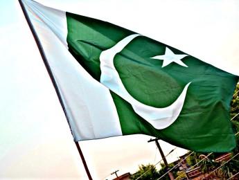 """Pakistan, il radicalismo islamico si radica nel popolo e scende in piazza. È successo il 27 e 28 Marzo a Islamabad in difesa delle leggi contro la blasfemia, per richiedere l'impiccagione di Asia Bibi e il riconoscimento del """"martirio"""" di Mumtaz Qadri, la guardia del corpo che uccise il governatore del Punjab Salman Taseer che """"osò"""" criticare la legge sulla blasfemia."""