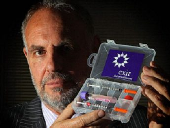 Dr Philip Nitschke Gives A Workshop On Assisted Suicide...BOURNEMOUTH, ENGLAND - MAY 05:  Controversial voluntary euthanasia campaigner, Dr Philip Nitschke holds up a drug testing kit which is used as part of assisted suicides following a workshop on the subject on May 5, 2009 in Bournemouth, England. The Australian doctor, dubbed Dr Death by the press, was stopped at Heathrow Airport when he arrived but was granted leave to stay in UK on Saturday.  (Photo by Matt Cardy/Getty Images)